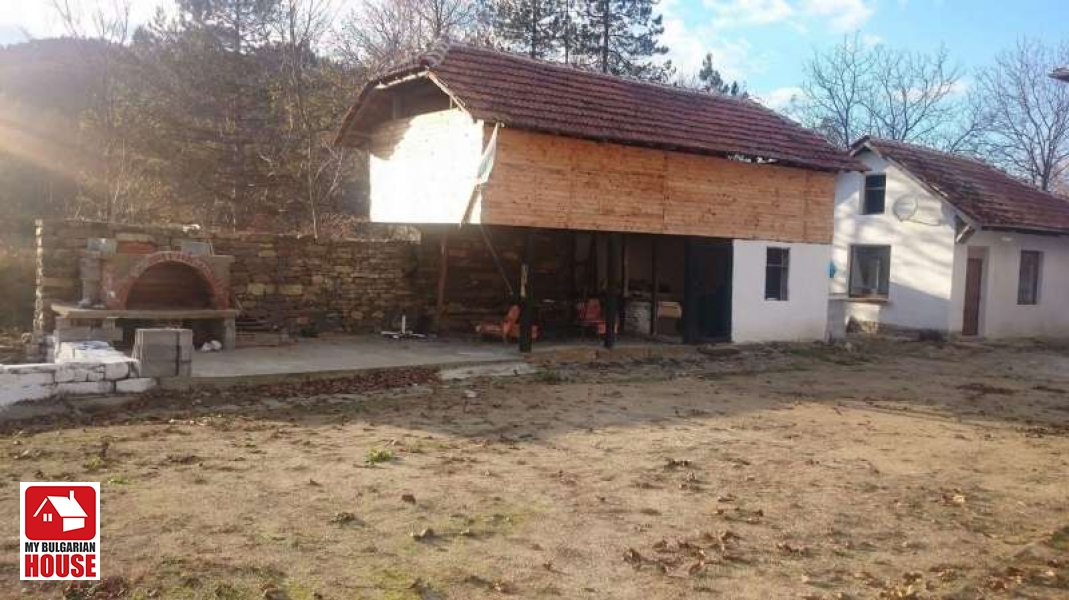 pictures of houses house in etropole for 31 300 eur constanta ltd 31300