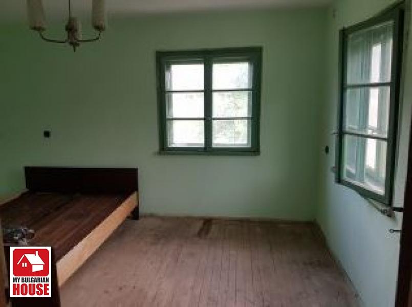 House in Mezdra for 18,400 EUR - Constanta Ltd