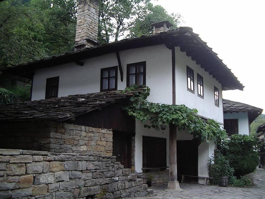 House in Gabrovo for 9,990 EUR - Constanta Ltd